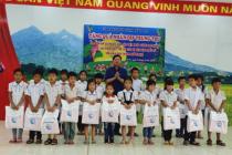 Hà Nội tặng 900 suất quà cho trẻ em dân tộc thiểu số đón Tết Trung thu