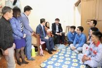Tết sớm với mẹ Việt Nam anh hùng Nguyễn Thị Sâu
