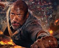 """Skyscraper: Biểu tượng toàn cầu """"The Rock"""" chiến đấu trong biển lửa"""