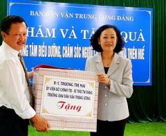 Trưởng ban Dân vận Trung ương Trương Thị Mai thăm Trung tâm Điều dưỡng, chăm sóc người có công tỉnh Thừa Thiên - Huế