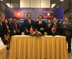 Vietnam, Laos discuss boosting labour, social welfare cooperation