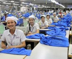 Lao động ngành may Việt Nam: Thu nhập không đủ trang trải nhu cầu cơ bản, cuộc sống bấp bênh