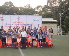 Đội bóng Thông tấn xã Việt Nam lên ngôi vô định Press Cup 2020