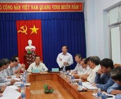 Deputy Minister Huynh Van Ti had a working trip to Binh Thuan province about people with meritorious services to the country