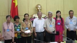 Lãnh đạo Cục Người có công thân mật tiếp Đoàn đại biểu người có công tỉnh Vĩnh Long