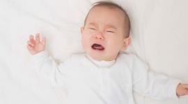 Chọn mua sữa cho bé sơ sinh phù hợp, giúp trẻ giảm nôn trớ