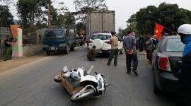 """Tránh xe máy bất ngờ sang đường, 3 ô tô bị """"lâm nạn"""" trên quốc lộ 2C"""