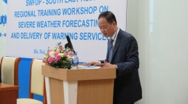 Huấn luyện nâng cao kiến thức về kỹ năng dự báo thời tiết nguy hiểm và truyền phát bản tin cảnh báo