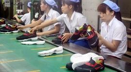 Bình đẳng giới phải thực chất - Bài 2: Khoảng cách về cơ hội việc làm và lương