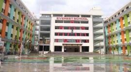 Trường THCS Everest  bị dừng tuyển sinh lớp 1 và lớp 6
