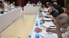 Thảo luận về mối quan hệ giữa kinh tế với pháp luật và quản lý trong phát triển bền vững