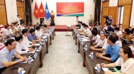 Bộ trưởng Đào Ngọc Dung làm việc với Tổng Công ty May 10 về Dự thảo Bộ luật Lao động (sửa đổi)