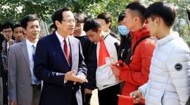 Bộ trưởng Đào Ngọc Dung thăm và làm việc tại Trường Cao đẳng nghề Công nghiệp Thanh Hóa