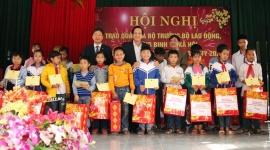 Bộ trưởng Đào Ngọc Dung thăm, tặng quà Tết huyện Lý Nhân (Hà Nam)