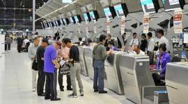 Hỗ trợ lao động Việt Nam về nước do hết hợp đồng lao động