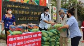 Đồng Nai: Lực lượng dân quân hỗ trợ tích cực cho người bán vé số nghèo, người khuyết tật