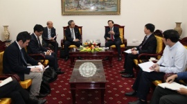 Minister Dao Ngoc Dung receives New Japanese Ambassador to Vietnam