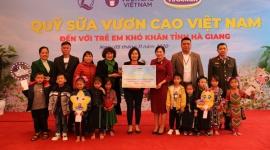 Vinamilk trao tặng 94.000 ly sữa cho trẻ em khó khăn ở Hà Giang