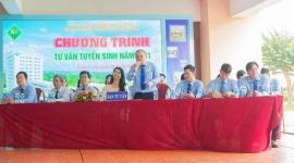 Hơn 1000 học sinh các trường THPT của tỉnh Vĩnh Long tham quan hướng nghiệp và tư vấn tuyển sinh tại  VLUTE