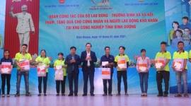 Bộ trưởng Đào Ngọc Dung: Chúc mỗi gia đình công nhân lao động đều có cái tết ấm ám