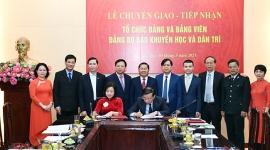 Tiếp nhận Đảng bộ Báo Khuyến học và Dân trí về trực thuộc Đảng ủy Bộ Lao động – Thương binh và Xã hội