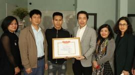 Bộ Lao động - Thương binh và Xã hội trao Bằng khen cho anh Nguyễn Ngọc Mạnh