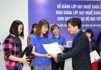 Đào tạo nghề để tạo việc làm bền vững cho lao động nữ nhập cư