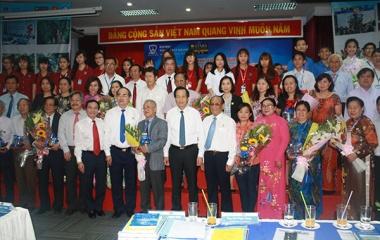 Chủ tịch Nguyễn Thiện Nhân và Bộ trưởng Đào Ngọc Dung thăm và làm việc với Trường Đại học Nguyễn Tất Thành