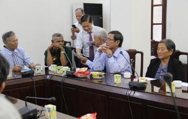 Thứ trưởng Lê Tấn Dũng tiếp thân mật Đoàn người có công tỉnh Khánh Hòa