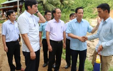 Bộ Lao động – TBXH chia sẻ thiệt hại với người dân vùng lũ quét ở Thanh Hóa