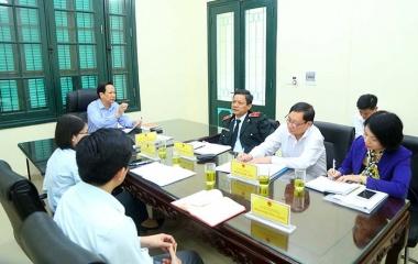 Bộ trưởng Đào Ngọc Dung trực tiếp lắng nghe và giải đáp thắc mắc của công dân