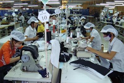 Một số ý kiến về áp dụng pháp luật lao động trong giải quyết các tranh chấp về chấm dứt hợp đồng lao động