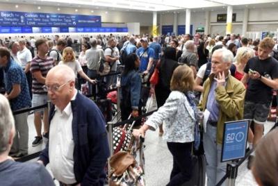 Sự cố mạng tiếp tục gây hỗn loạn tại sân bay ở London