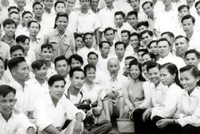 Kỷ niệm 92 năm Ngày Báo chí Cách mạng Việt Nam: Bác Hồ với những người làm báo