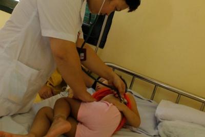 Dấu hiệu sốt xuất huyết biến chứng, phải đến viện ngay