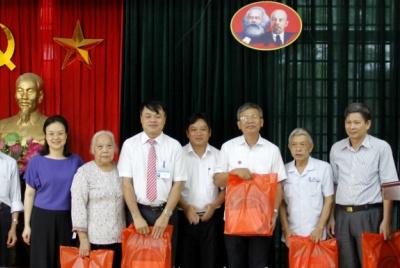 Hoạt động tri ân người có công được thực hiện đồng bộ tại nhiều phường thuộc quận Bắc Từ Liêm