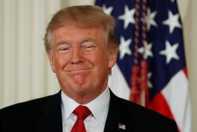 """Tổng thống Trump tự trao danh hiệu """"Nhân vật của năm""""?"""