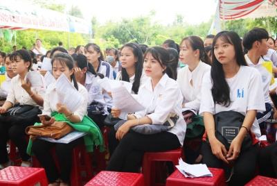 Huyện Mỏ Cày Bắc tổ chức  phiên giao dịch việc làm - hướng nghiệp - dạy nghề và đi làm việc ở nước ngoài năm 2019