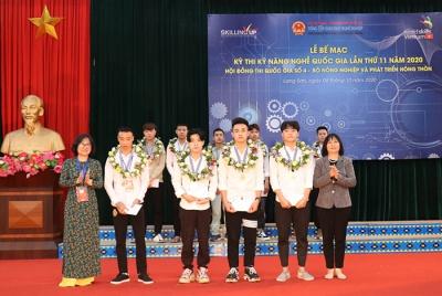 Những thí sinh đầu tiên được trao Huy chương vàng tại Kỳ thi Kỹ năng nghề Quốc gia