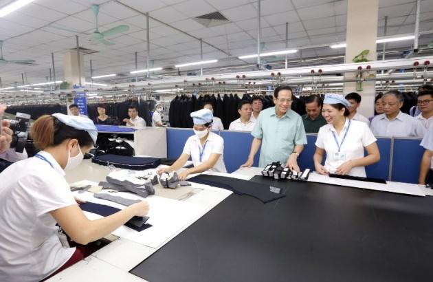 Tiếp thu ý kiến người lao động ngành may vào dự thảo Bộ luật Lao động sửa đổi