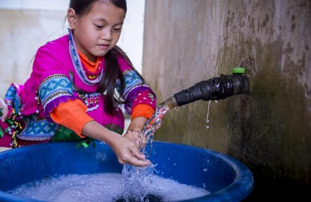 Hướng dẫn trẻ rửa tay đúng cách phòng Covid-19