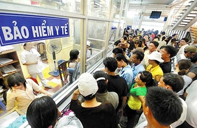 Sửa lại nơi đăng ký BHYT cho gần 1.000 người bị hạ tuyến nhầm